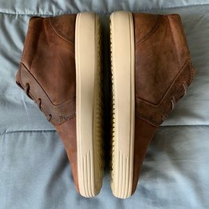 Ecco Shoes - Ecco Brown Leather Chukka Sneakers Gorgeous EUC